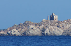 Feu de l'île Razzoli (Sardaigne)