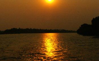 Zambèze, coucher de soleil (Zimbabwe)